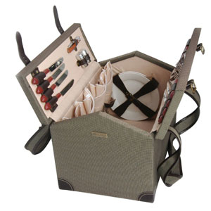 Wooden Picnic Basket for 4